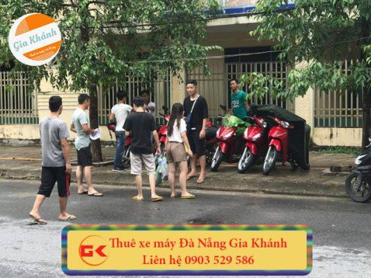 Giá thuê xe máy Đà Nẵng tầm 80-160k ngày tùy vào ngày thuê và đời xe mới hay củ