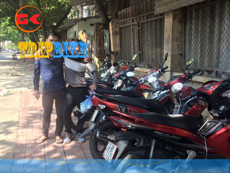 366-Rent-Motorbikelao-cai
